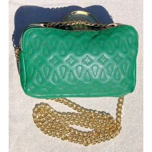SR2 green crossbody with gold chain